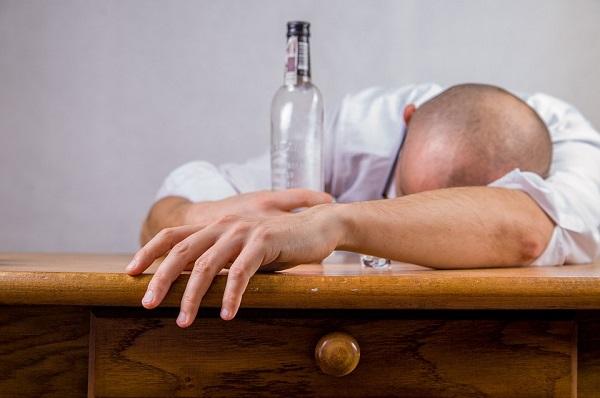 ENFERMEDADES POR ALCOHOL